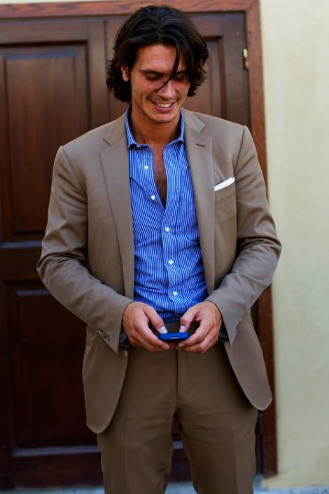 brown-suit-blue-shirt